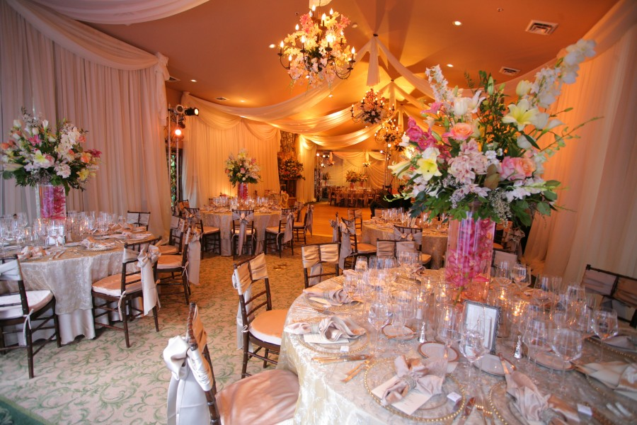 Ballroom decor sedona wedding planners florists and for Ball room decoration