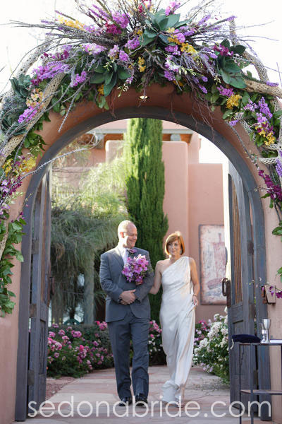 Outdoor Sedona Wedding, Image by SedonaBride.com